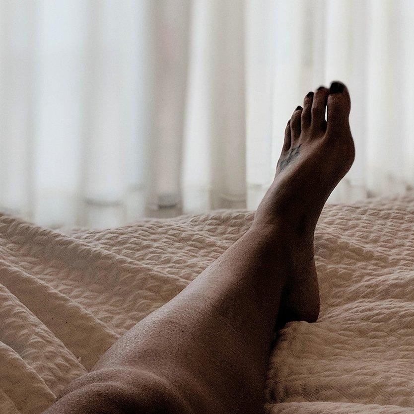 Mal aux jambes la nuit, jambes sans repos : quels remèdes ?